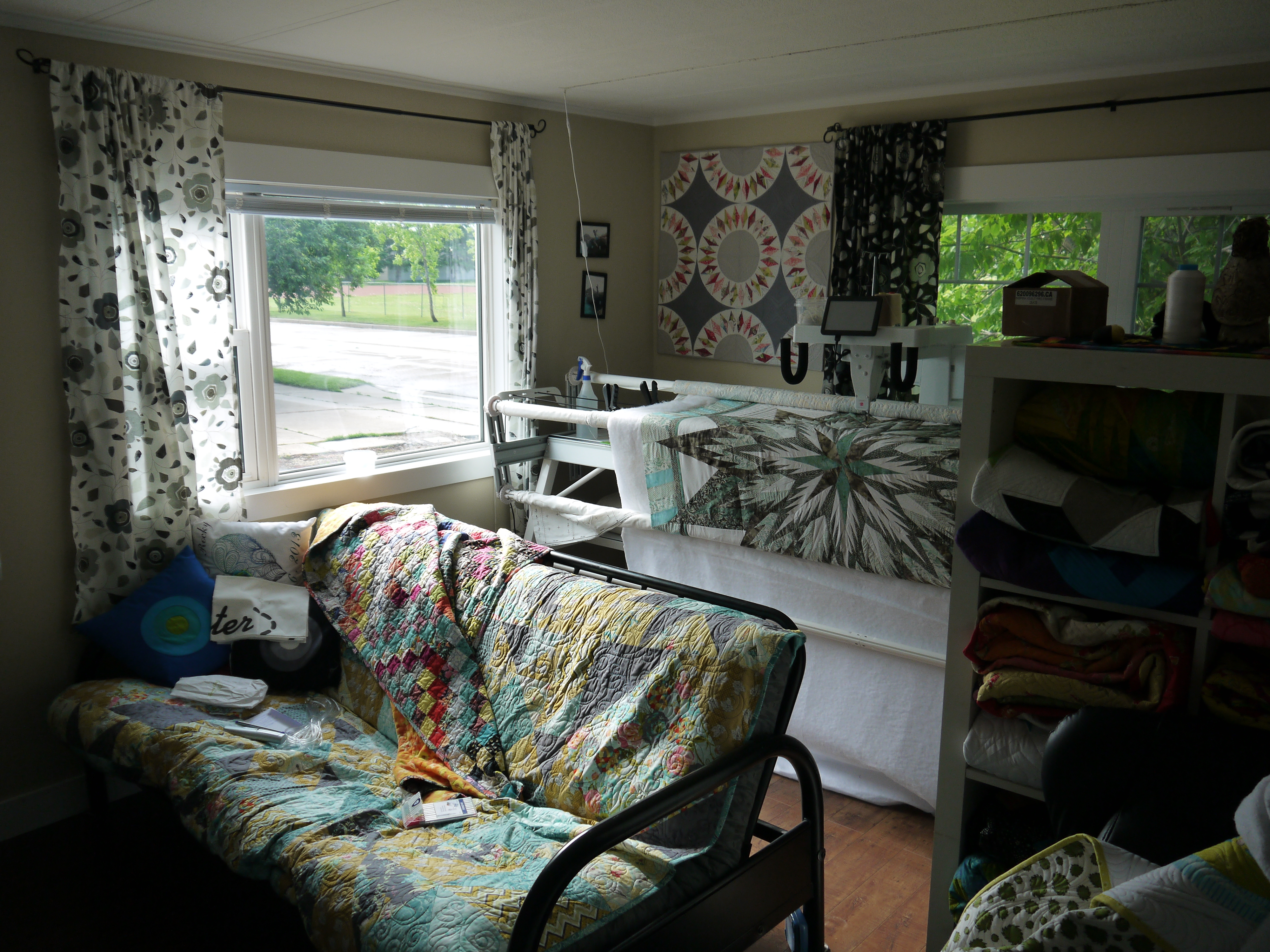 Living Room Quilts new quilting machine and some finished quilts | kathleen quilts